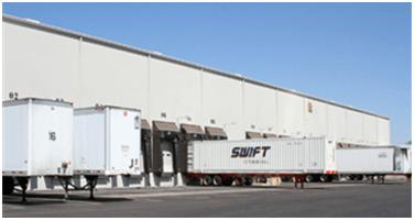 trucks waiting at port